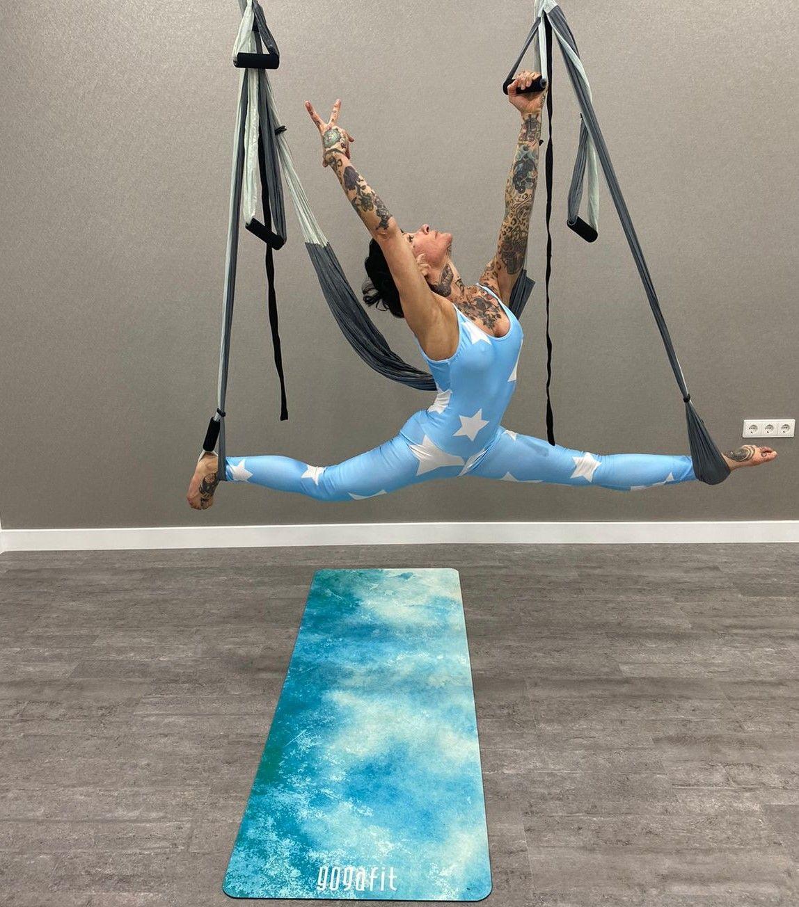 beneficios de practicar yoga con columpio