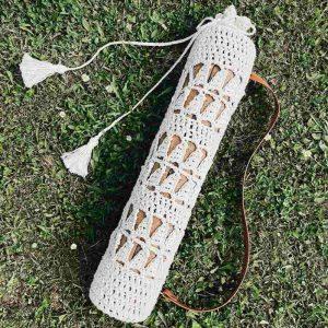 bolsa para esterilla de yoga hecha con Macramé
