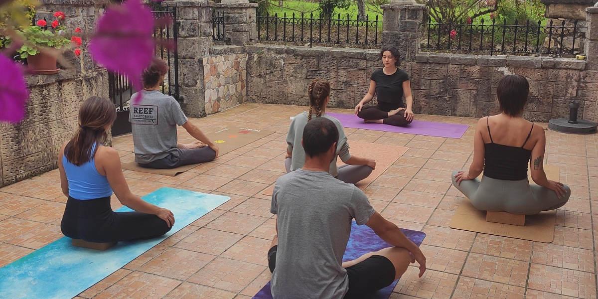 Esterillas de yoga, Shop YogaFit, ejerccios de yoga en grupo
